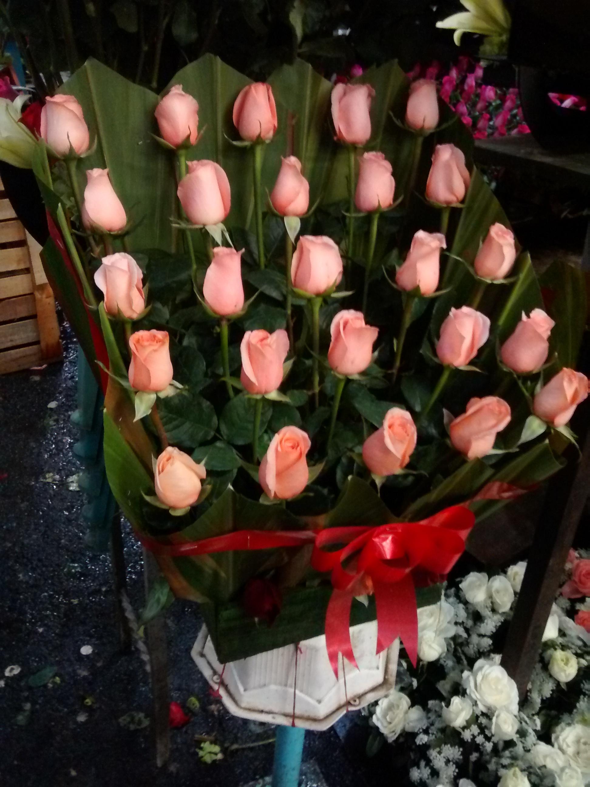 Arreglo Floral De Rosas Hermosas